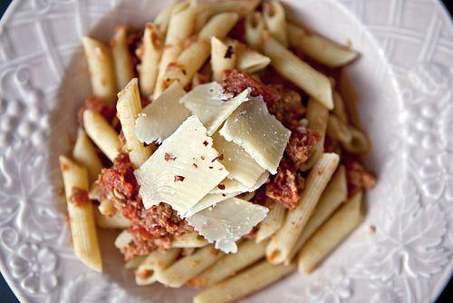 Pasta italiana con parmiggiamo reggiano.