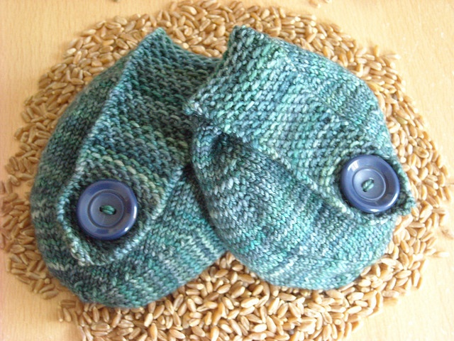 Knitted Hand-warmers (FREE PATTERN) Knitting & Crochet ...