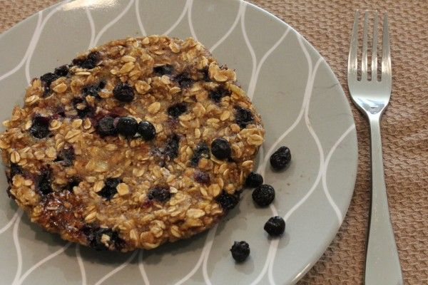 Microwave Blueberry Banana Oat Cakes | Sounds Pretty Tasty | Pinterest