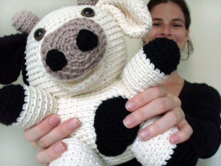Amigurumi Crochet Pattern Cow : amigurumi crochet cow Handmade Treasures Pinterest