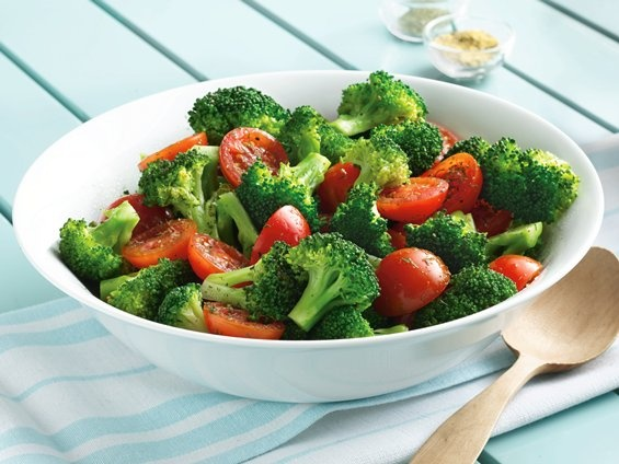 Steamed broccoli and tomatoes in dill and lemon pepper. Good easy side ...
