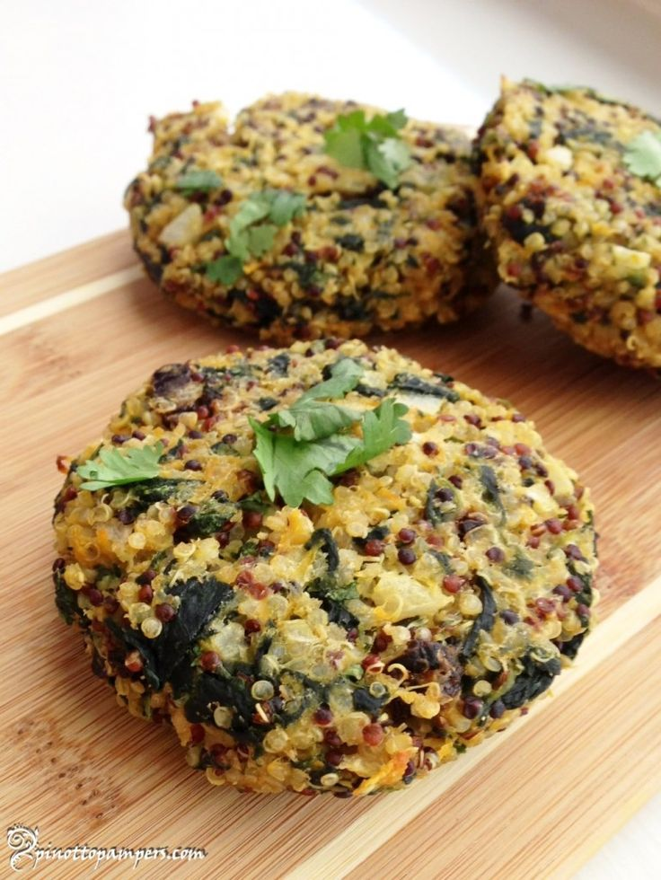 Healthy babies are happy babies! Baked quinoa cakes.