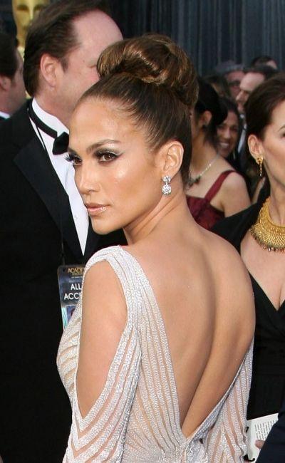 Celebrity Hairstyles News | Jennifer Lopez rocks a high bun