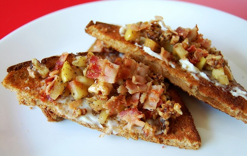 ... Bacon on Nature's Pride Stone Ground Whole Wheat with Honey Bread