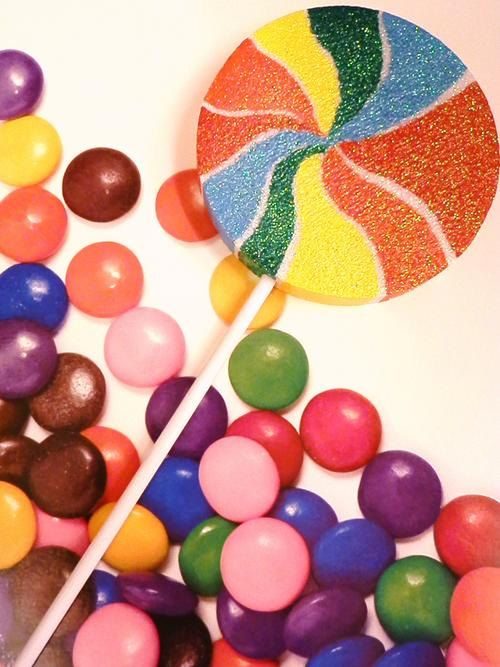 Large Swirl Lollipop Candy Decor Photo Prop for your Costume. $8.99, via Etsy.