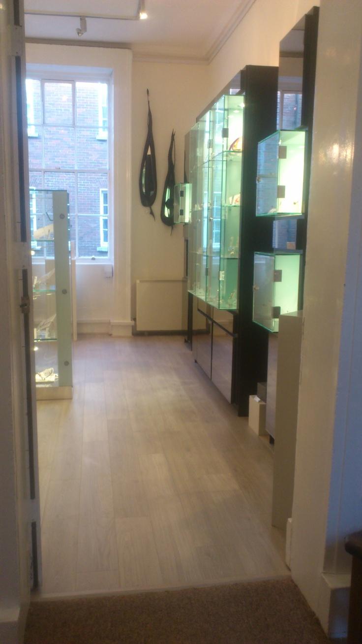 Auctioneers in autos weblog for Laminate flooring dublin