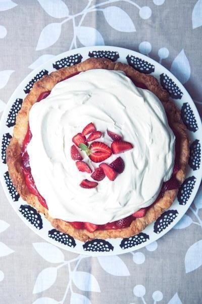 The Coolest Summer Dessert: No-Bake Strawberry Lemon Cream Pie