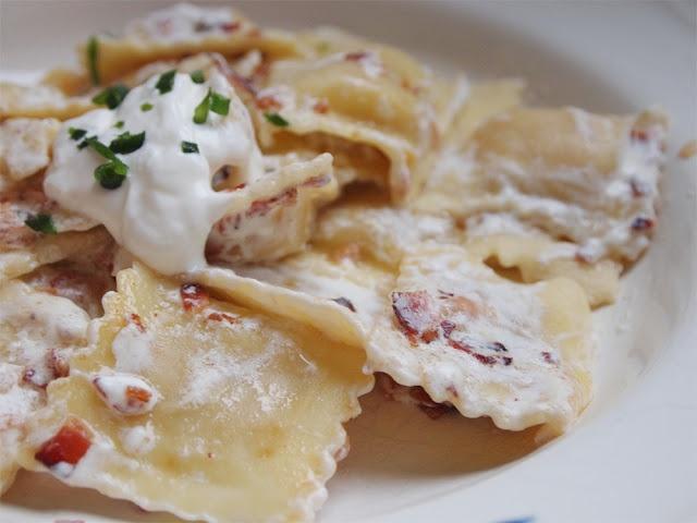 whipped garlic sauce ravioli with garlic cream sauce recipe ...