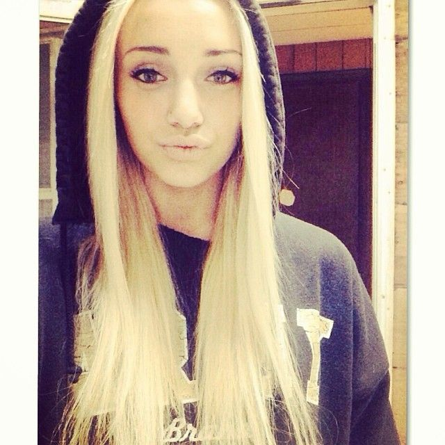 Teen With Blonde Hair 16