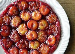 Plum Tarte Tatin | Yummy sweet stuff | Pinterest