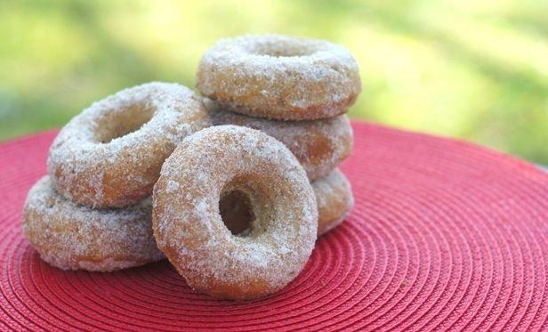 Apple cinnamon donuts | Donuts | Pinterest