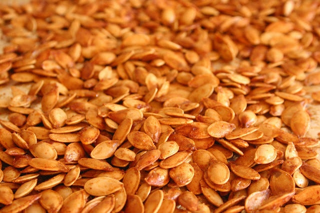 spicy + sweet roasted pumpkin seeds... | Gastronomical | Pinterest