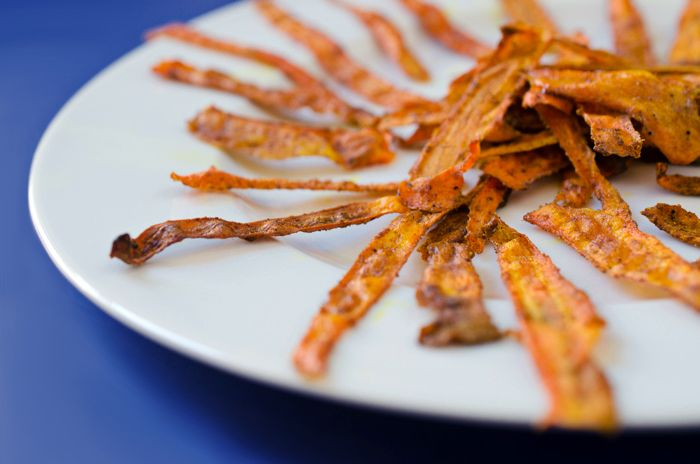 Baked Curried Carrot Chips | http://foodfitnessfreshair.com/2013/04/17 ...