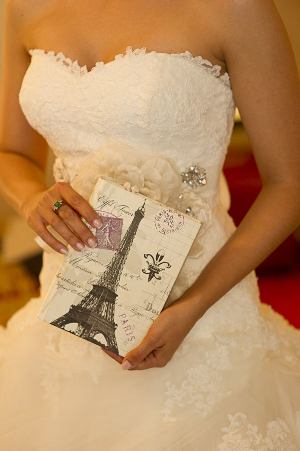 The getting ready of a bride in Paris