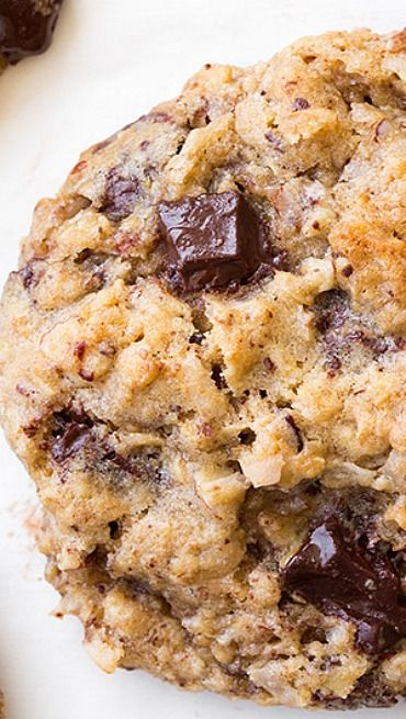 Oatmeal Coconut Almond Chocolate Chunk Cookies Recipe ~ These decadent ...