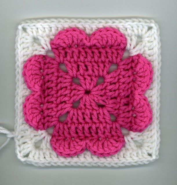 Free Crochet 4 hearts square Pattern.