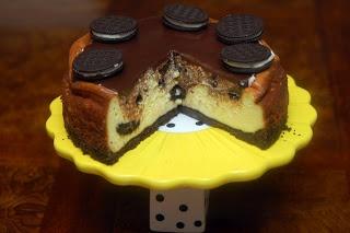 EXTREME OREO CHEESECAKE using Glutino Chocolate Vanilla Crème Cookies