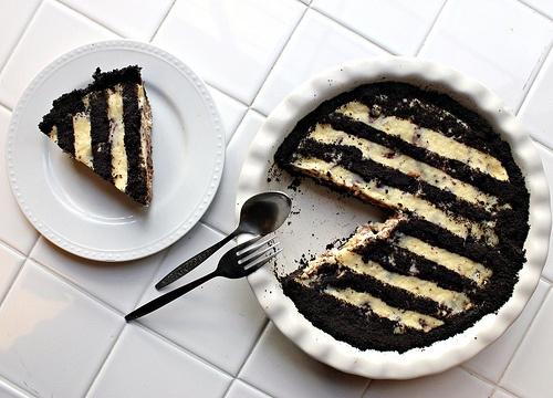 Twix Cheesecake Pie Recipe — Dishmaps