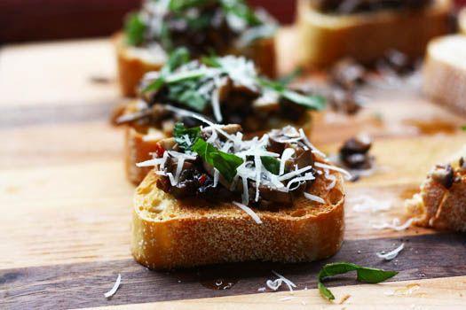 Mushroom Bruschetta | S I D E D I P D R E S S I N G | Pinterest