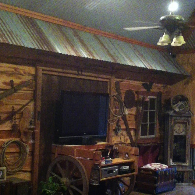 Country living room western decor pinterest for Country western living room ideas