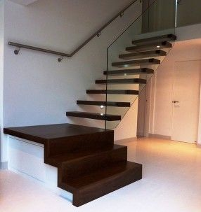 Quarter landing stairs stairs with flair pinterest for Quarter landing staircase