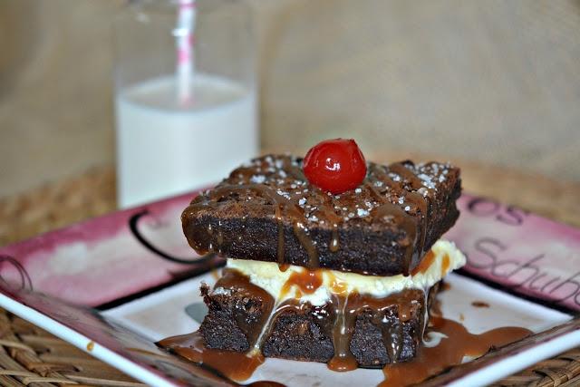 Hugs & CookiesXOXO: SWEET & SALTY BROWNIES!