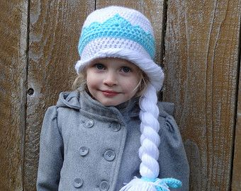 Knitting Patterns For Elsa : Knitted Hat Pattern Of Elsa Frozen Party Invitations Ideas