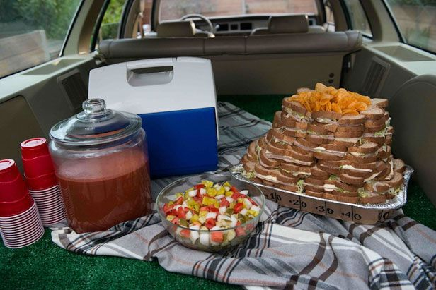 Last-Minute Super Bowl Party Ideas >> http://blog.diynetwork.com/maderemade/2014/01/31/good-to-know-last-minute-super-bowl-party-tips?soc=pinterest