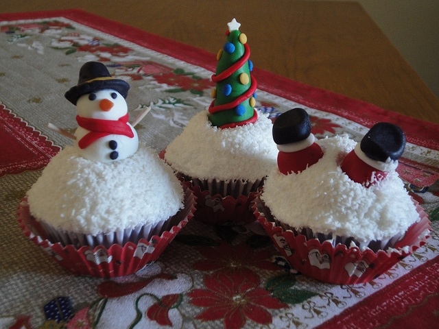 Snowman, Santa and tree cupcakes by Love Peace and Cupcakes