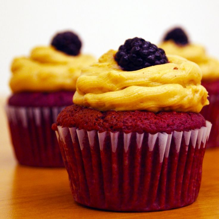 Peanut Butter and Jelly Cupcakes | Maddox Robot Party | Pinterest