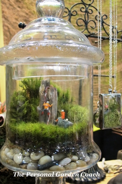 Terrariums and Miniatures..i want to try this