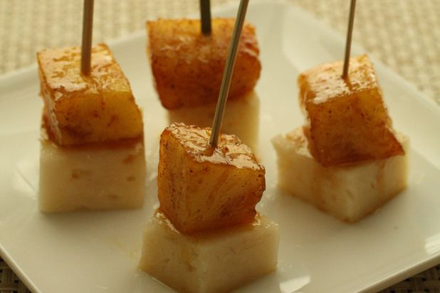 Pineapple Manchego Skewers | snacks and appetizers | Pinterest