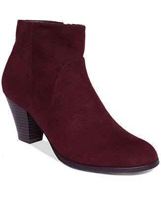 Shop for and buy clearance shoes online at Macy's. Find clearance shoes at Macy's Macy's Presents: The Edit - A curated mix of fashion and inspiration Check It Out.