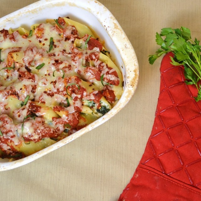 spicy kale stuffed shells vegetarian | Dinner | Pinterest