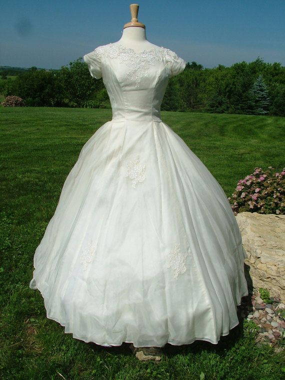 vintage 1950s silk organza wedding dress bridal gown applique lace fe