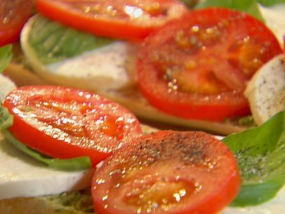 Open-Faced Tomato, Mozzarella and Basil Sandwich | Recipe
