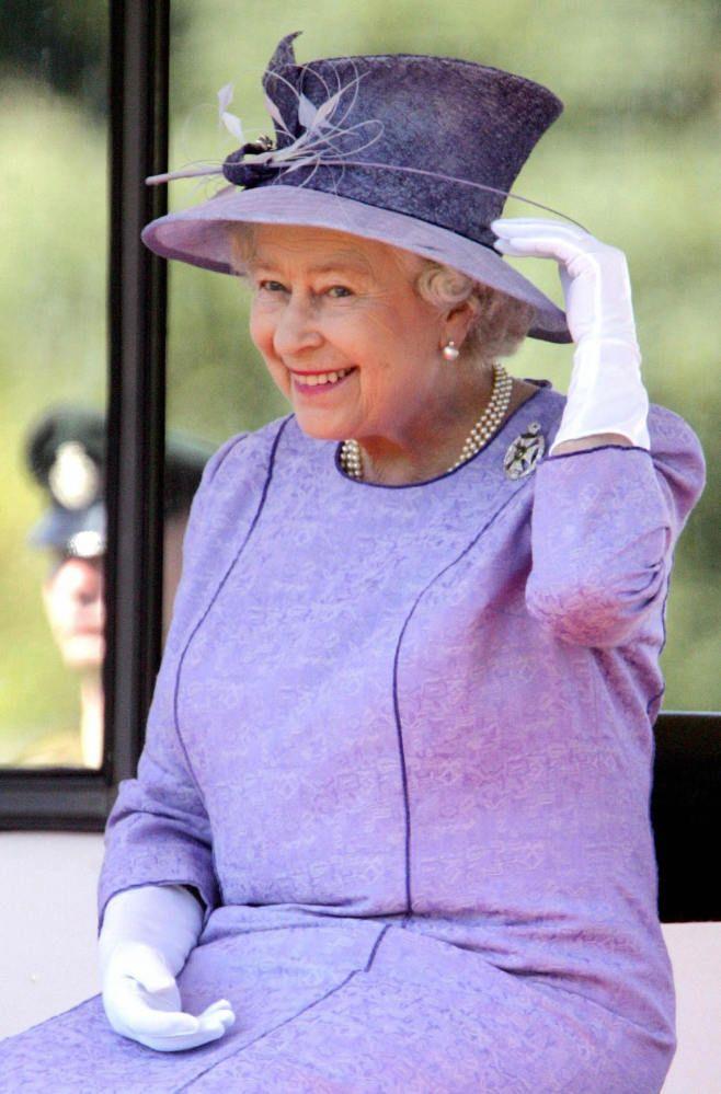 The Queen looks so happy here!