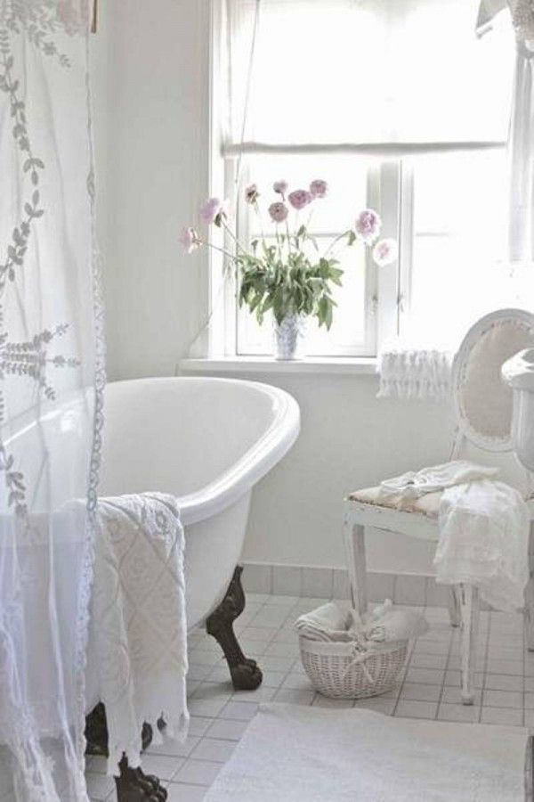 Shabby+Chic+Bathrooms  white shabby chic style bathroom