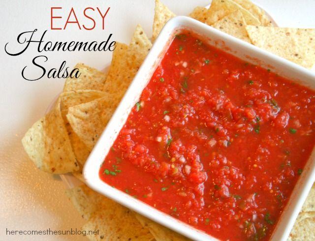 Easy Homemade Salsa Recipe. Super delicious and super easy! Make some ...