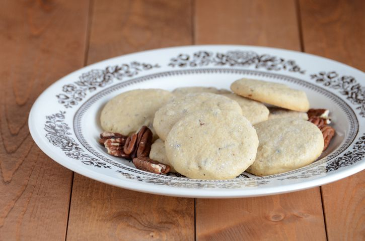 Maple Pecan Shortbread by @AnEdibleMosaic
