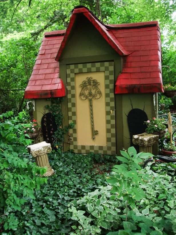 Alice and wonderland whimsical garden ideas photograph pla - Alice in wonderland outdoor decorations ...