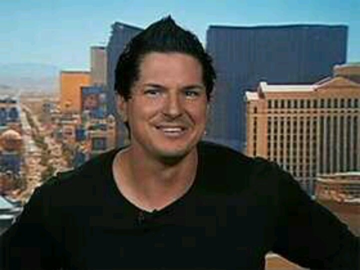 Pinned by Ashley Trogden-SmithZak Bagans Smiling