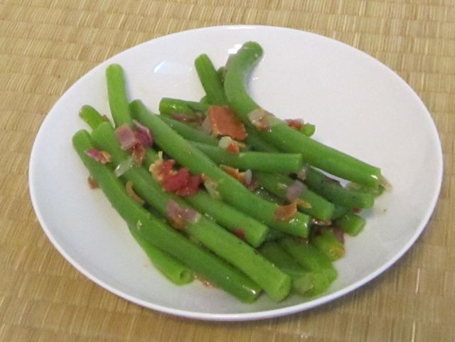 Fresh Green Beans with Bacon// I tried this and loved the way they ...