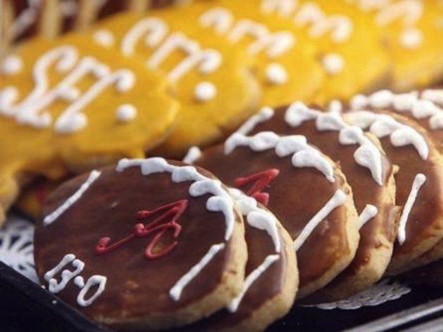 Alabama bakery asked to stop making Alabama-themed goods for Alabama, then apologizes #CollegeFootball #Cookies #Food #Alabama (Courtesy of the Tuscaloosa News)
