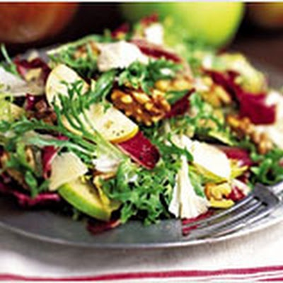 Winter Salad with Apples and White Cheddar