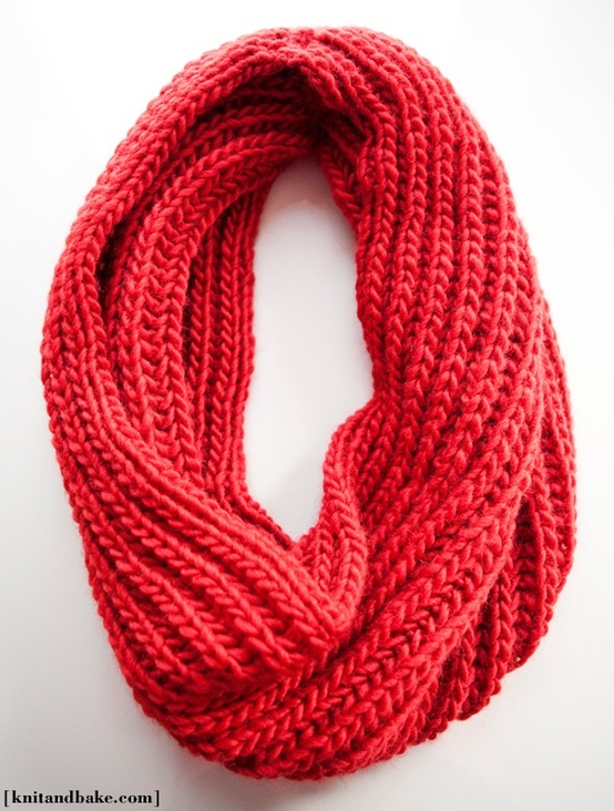 Infinity Scarf Knitting Pattern : diy easy knit infinity scarf. Knitting Pinterest