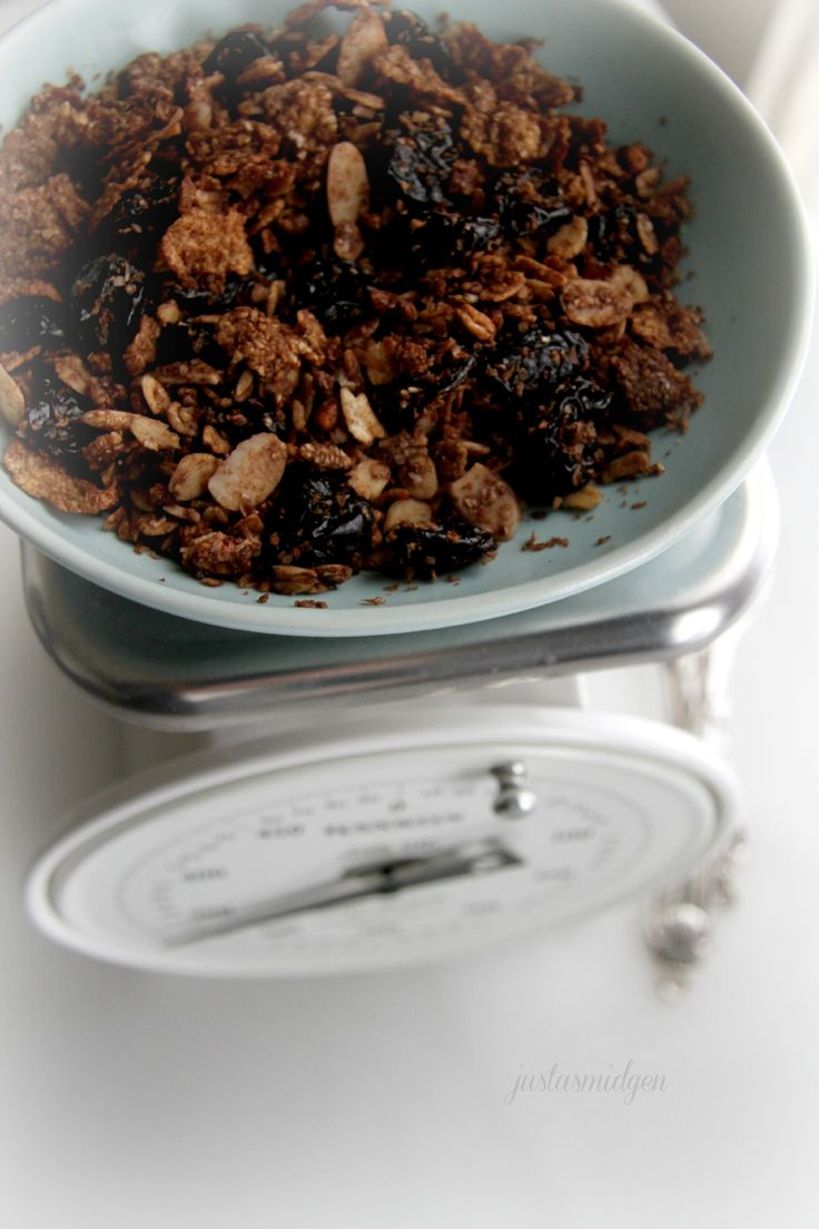 Apple Cinnamon Crisp Granola | Recipe