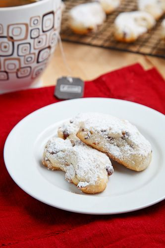 Almond Crescent Cookies from Closet Cooking. http://punchfork.com ...