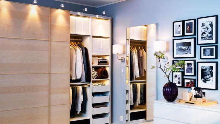 IKEA Österreich, Gut beleuchtetes Outfit. PAX Kleiderschrank mit PAX ...