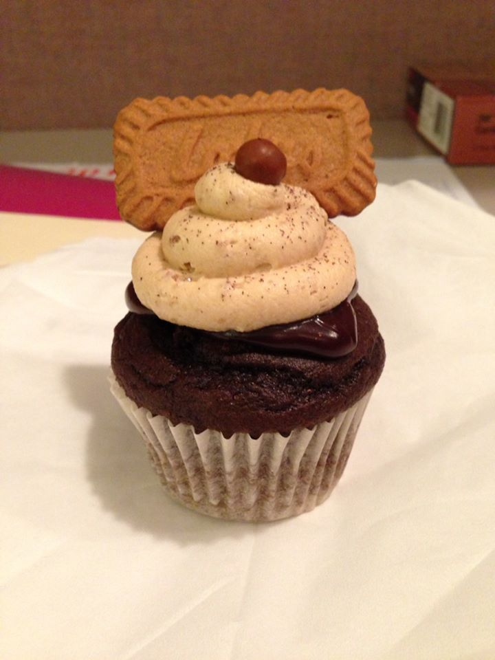 Chocolate cupcake filled with chocolate Biscoff Ganache, topped with ...